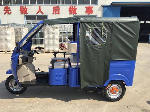 moto taxi eléctrico con baterías circula diario promoción