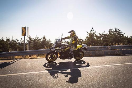 moto touring suzuki motos