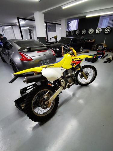 moto trilha suzuki