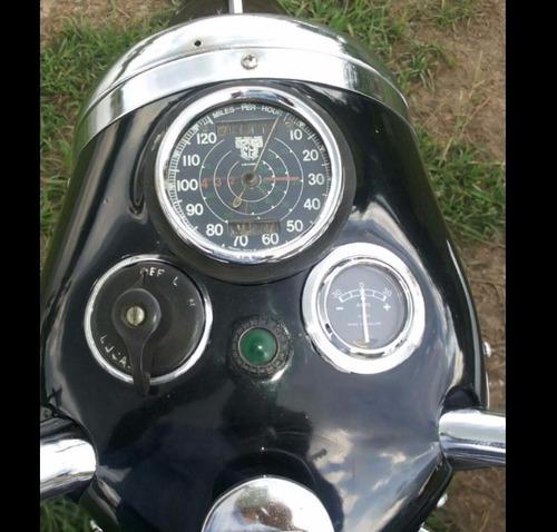 moto triumph modelo