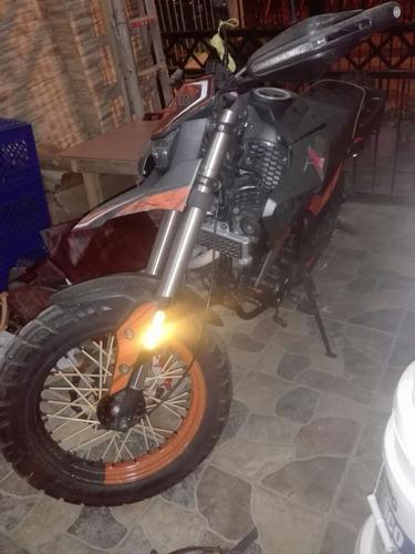 moto x1000 250t