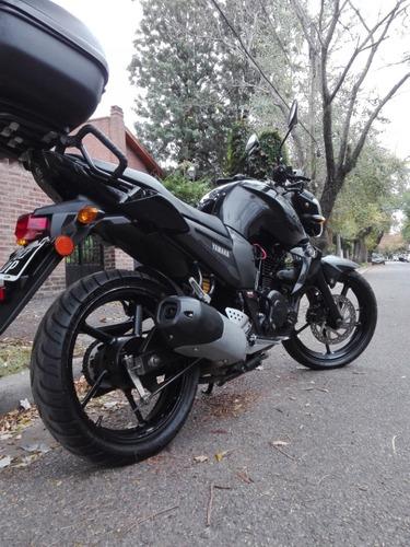 moto yamaha fz16 negra 2014