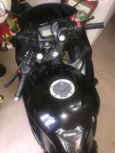 moto yamaha r-15