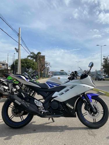 moto yamaha r 15