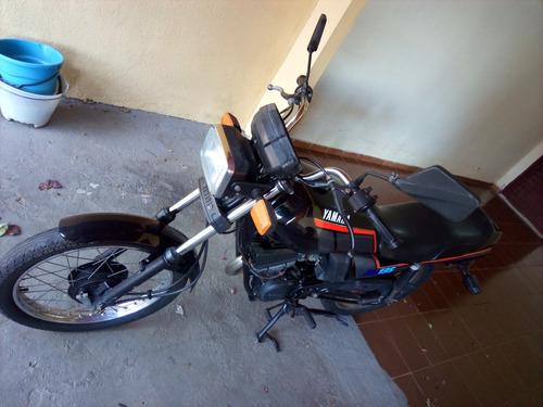 moto yamaha rd135  relíquia