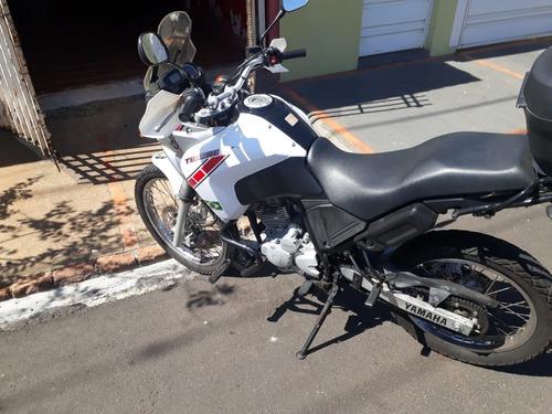 moto yamaha teneré 250