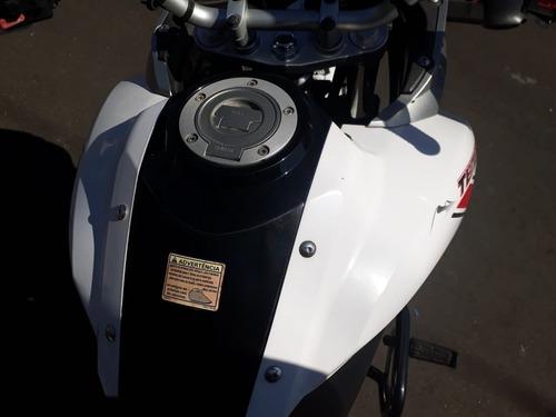 moto yamaha teneré 250 cc