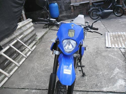moto yumbo 200 enduro impecable estado.