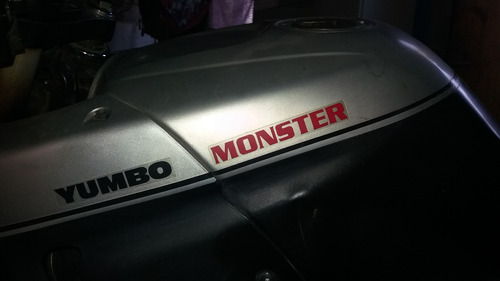 moto yumbo monster 200, la vendo por viaje