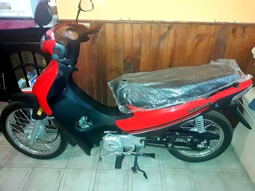 moto zanella zb 110  con casco incluido