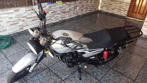 motocicleta akt ns