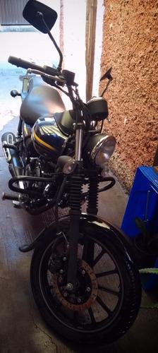 motocicleta bajaj avenger street 2017