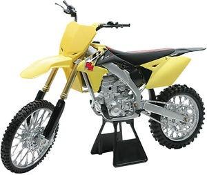 motocicleta cross newray suz. rm-z450 esc. 1:12, amar. 2014