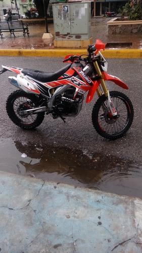 motocicleta crx250