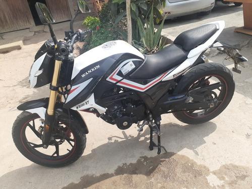 motocicleta deportiva