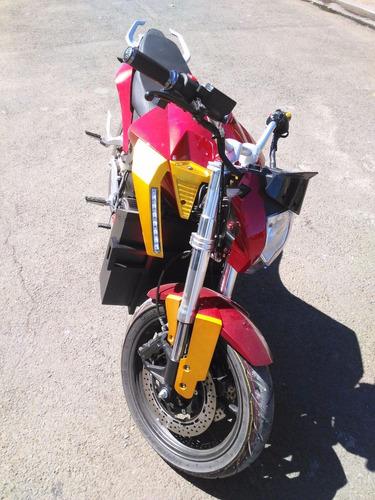 motocicleta electrica oktara   ¼ de milla en 17 segundos