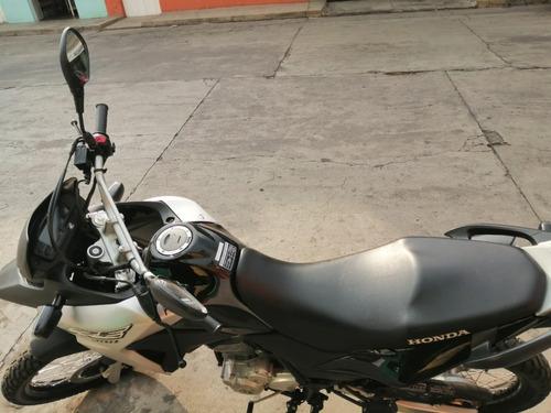 motocicleta honda xre 300 2017