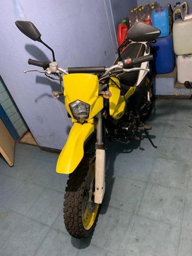motocicleta italika modelo dm150 2017