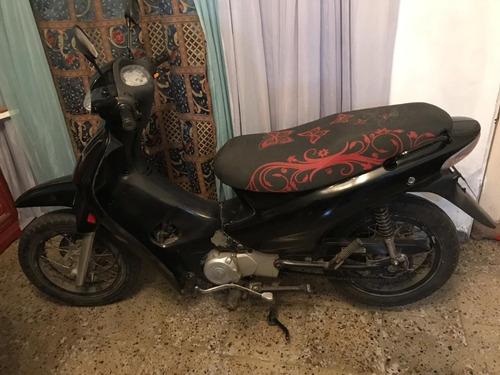 motocicleta jialing 110 en venta con papeles y traspaso.