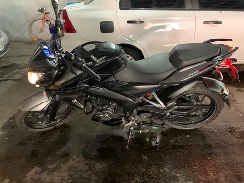 motocicleta marca bajaj modelo pulsar ns200 2018