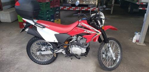motocicleta marca fórmula montañera año 2020 cilindraje 250