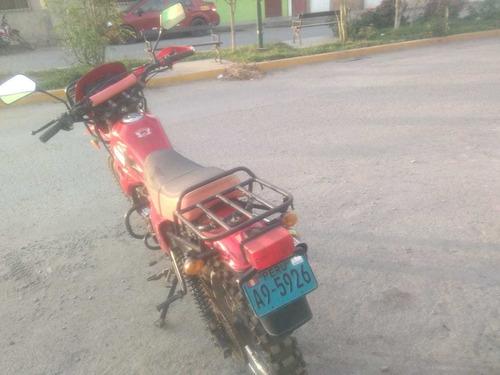 motocicleta, marca kayak 200cc