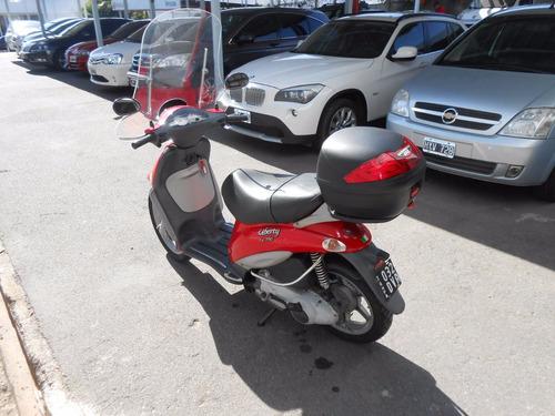 motocicleta piaggio liberty 150cc roja