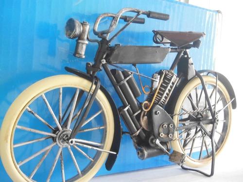 motocicleta retro com lanterna 28x16cms preta em ferro preta