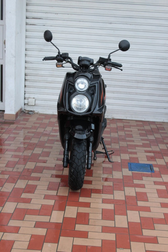 motocicleta scooter automática en cali