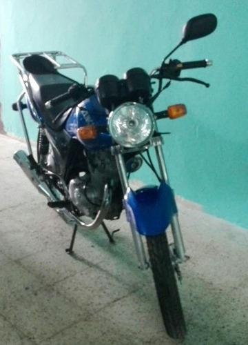 motocicleta susuki 2016