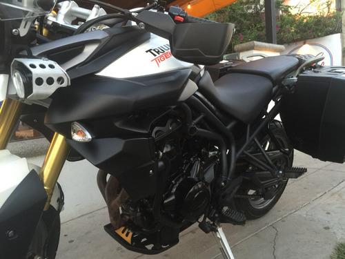motocicleta triumph tiger 800 cambio por auto o camioneta!!!