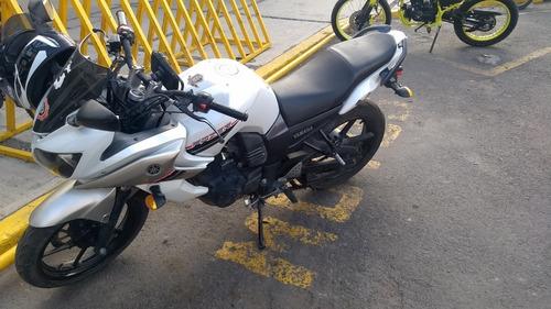motocicleta yamaha fazer 150cc