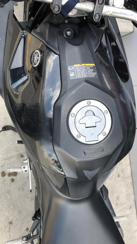motocicleta yamaha mt 03 negra 2018