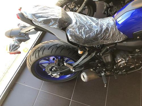 motocicleta yamaha mt07 nueva