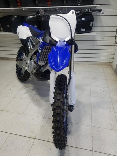 motocicleta yamaha yz 250 fx 2018  azul