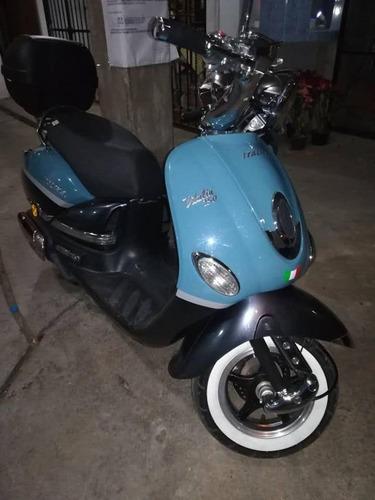 motoneta italika