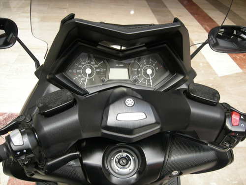 motoneta yamaha modelo  t max 535 año 2014