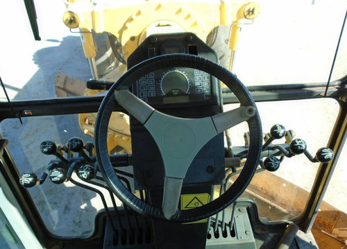 motoniveladora  new holland rg200