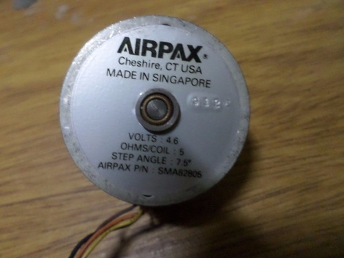 motor aipaxm-p/n sm82805-4,6 volts-7.5deg
