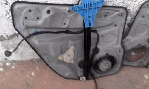 motor eleva vidrio ambas puertas traseras wv bora