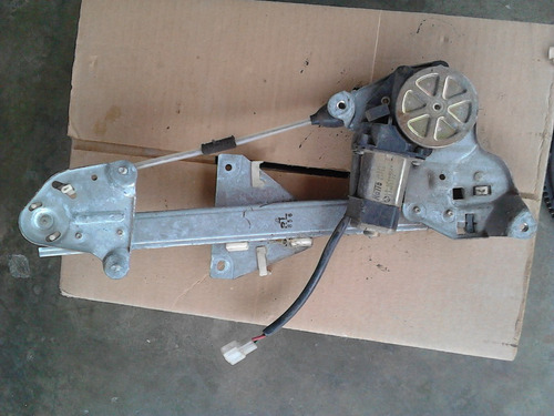 motor eleva vidrio ford laser