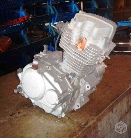 motor honda titán 125 cc, año 99, hecho 220 cc,de punta.
