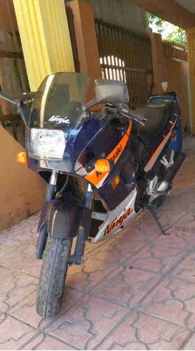 motor kawasaki  ninja 2005