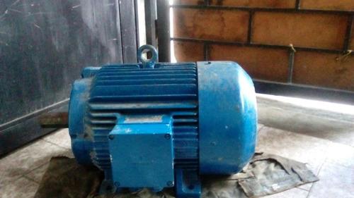 motor trifasico de 7 hp siemens usado en perfecto estado
