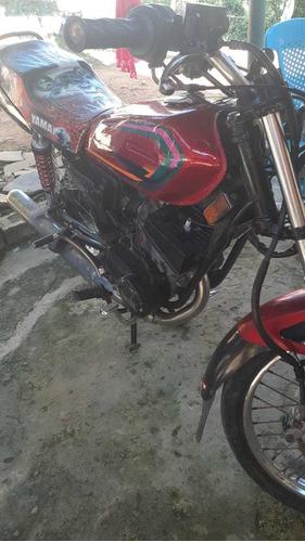 motor yamaha 115 rojo