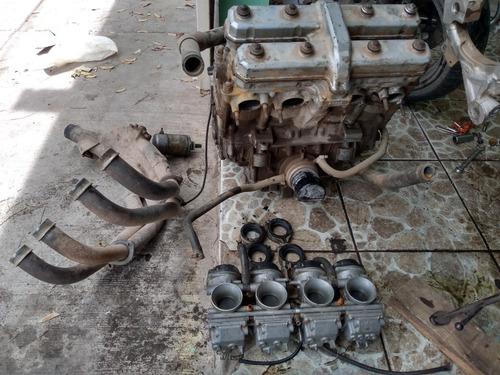 motor yamaha fzr 1000 por partes aún no está desarmado