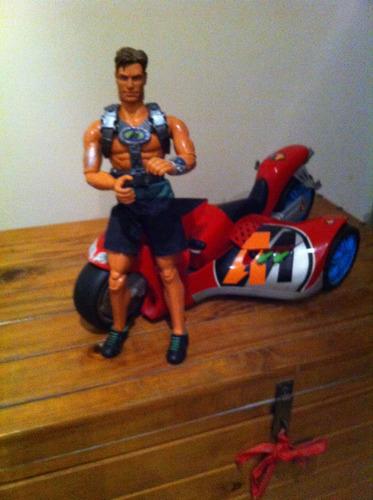 motoracer action man con muñeco max steel