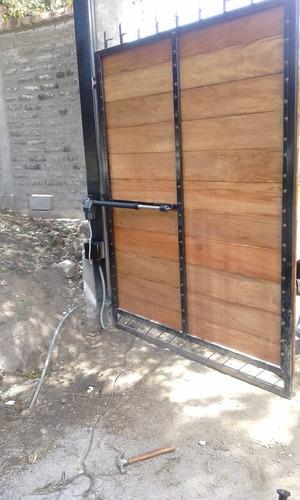 motores instalados para puertas abatibles de garage