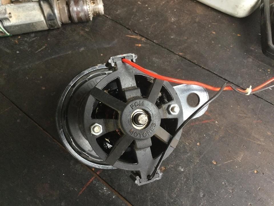 6ca4ebedee2 Motor gerador De Energia Imã Permanente.carrega Bateria 12v - R  95 ...
