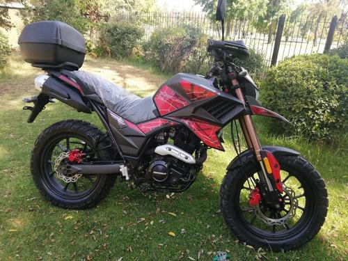 motorrad tekken 250 con maleta y casco de regalo (año 2020)